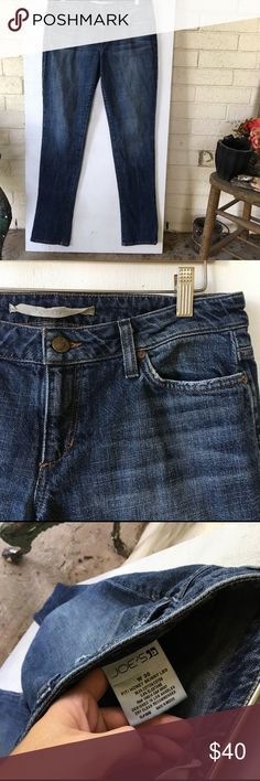 """Joe's Jeans Honey skinny jean EUC - such great shape! I love these skinnies! Here are the details ---> waist measurement when laid flat: 16"""" // length: 32"""". Super soft and comfortable jeans!! Joe's Jeans Jeans Skinny"""
