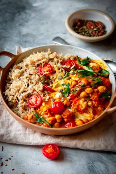 15 Minute Chana Masala - Vegan & Ready in 15 Minutes Lucy & Lentils Veggie Dishes, Veggie Recipes, Indian Food Recipes, Dinner Recipes, Cooking Recipes, Healthy Recipes, Easy Cooking, Vegan Indian Food, Vegan Rice Dishes