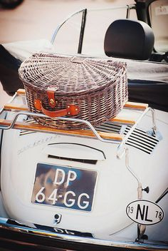 picnic basket & vintage ride