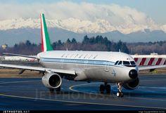 Alitalia  Airbus A321-112