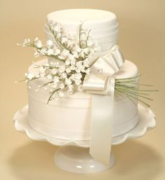 wedding cake with blue piping and flowers and doves - Google Search