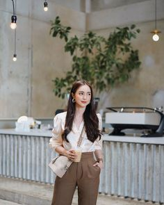 Stylish Summer Outfits, Classy Outfits, Beautiful Outfits, Cute Outfits, Fashion Cover, Daily Fashion, Normcore Fashion, Fashion Outfits, Semi Formal Outfits