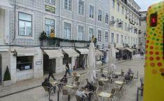 10 restaurants typiques à Lisbonne - Savourer une bifana Restaurants, Street View, City, Places, Lovely Things, Europe, Travel, Portugal Trip, Lisbon