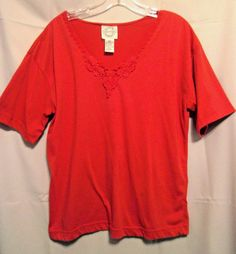 Ricki & Company Red Poly Top Size Medium Deep V Neck with Lace Short Sleeves #Richi #KnitTop #Career