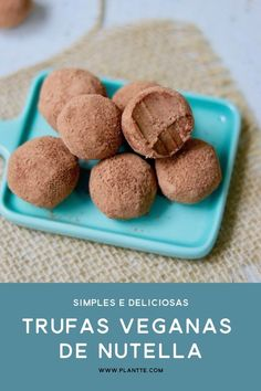 Trufas Veganas de Nutella These Nutella Vegan Truffles are delicious! They are a great choice of healthy candy that leaves no desire in flavor. Nutella Recipes, Raw Food Recipes, Sweet Recipes, Nutella Vegan, Vegan Foods, Vegan Snacks, Vegan Desserts, Vegan Truffles, Healthy Candy