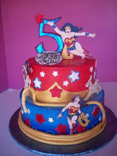 Wonder woman cake :) If I was a kid again, I& have to have this for my birthday cake! Wonder Woman Cake, Wonder Woman Birthday, Wonder Woman Party, Cupcakes, Cupcake Cakes, Beautiful Cakes, Amazing Cakes, My Birthday Cake, 7th Birthday