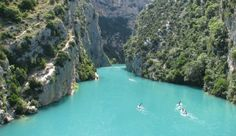 Gorges du Verdon, 'the grand canyon of europe'. I have to see this Nice France, South Of France, Cool Places To Visit, Places To Travel, Destinations D'europe, Grand Canyon, Plitvice Lakes National Park, Photos Voyages, Best Hikes
