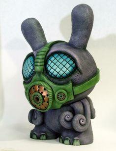 SpankyStokes.com   Vinyl Toys, Art, Culture, & Everything Inbetween: Monster Making Mayhem! Davemarkart's first custom 8-inch tall Dunny is ...