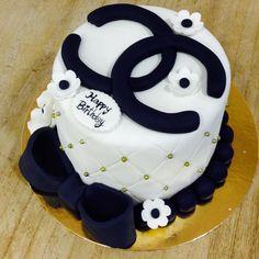 Pasteles de cumpleaños. Tartas de cumpleaños Barcelona. Pasteles corporativos para aniversarios. Tartas de cumpleaños originales.
