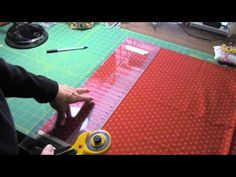 Como cortar telas para hacer patchwork - YouTube