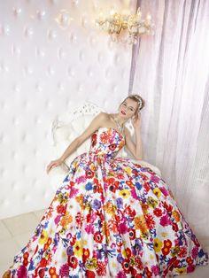 夏に着たい!元気が出るようなお花ドレス♡ ウェディングドレスからのお色直しで着たいマルチカラーのカラードレスまとめ☆