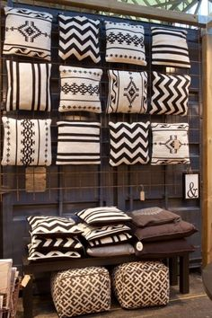 Unique Tribal Home Deco African Interior Design, Ethnic Design, African Design, African Art, Diy Casa, African Home Decor, Tribal Home Decor, Home And Deco, Soft Furnishings