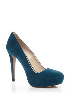 OH, the beautiful proportions and curves of this shoe!! I wish I had $500 to spend on this shoe!   PRADA Hidden Platform Pump