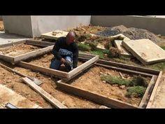 Front Yard Garden Design, Front House Landscaping, Backyard Landscaping, Landscape Stairs, House Landscape, Landscape Design, Concrete Front Steps, Concrete Stairs, Staircase Railing Design