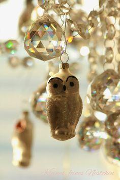 invitinghome Christmas decor for crystal chandelier. Christmas Owls, Christmas Time Is Here, Merry Christmas To All, Christmas Signs, Christmas Candy, White Christmas, Christmas Stockings, Christmas Holidays, Christmas Decorations