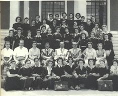 Το παλιατζίδικο των αναμνήσεων: Το παλιό Ελληνικό Σχολείο Vintage Pictures, Old Pictures, Greece Pictures, Old School, Greek, Old Things, Memories, Schools, Roots