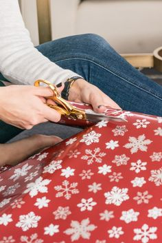 holidays, wrapping christmas presents - @mystylevita