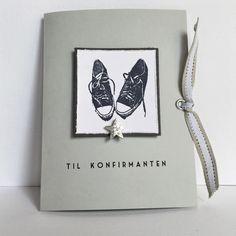 Konfirmasjonskort til gutt med håndstemplet motiv av Converse-sko, maljer og røft bånd.