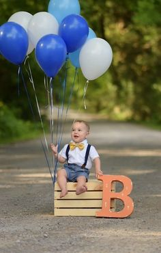 Die 25 innovativsten Fotografie-Ideen für Kinder The 25 most innovative photography ideas for kids, Baby Boy Photography, Children Photography, Photography Ideas Kids, Kids Birthday Photography, Party Photography, Bebe 1 An, 6 Month Baby Picture Ideas, Baby Monat Für Monat, 1st Birthday Pictures