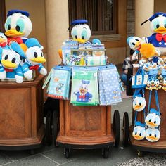 Happy Birthday Donald Duck! His merchandise is setup outside today at Tokyo DisneySea. If you look carefully he's wearing a birthday button (on the left side it's a little tough to see but it's there). #tdrexplorer #tdr #disneyaddict #tokyodisneyland #tokyodisneysea #disneyjapan #tokyodisneyresort #disney #themepark #travel #tokyo #japan #disneyland #disneygram #disneyig #instadisney