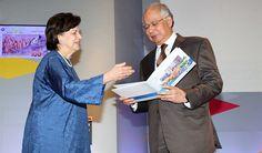 'Ringgit jatuh akibat politik, tapi puncanya PM' - http://malaysianreview.com/139103/ringgit-jatuh-akibat-politik-tapi-puncanya-pm/