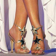 Mariah Carey Shoes | Mariah Carey (open shoes close up)