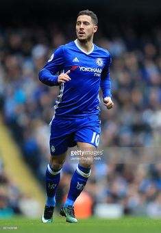 Manchester City v Chelsea – Premier League Eden Hazard of Chelsea during the Premier League match between Manchester City and Chelsea at Etihad Stadium on December 2016 in Manchester, England. Chelsea Premier League, Premier League Goals, Premier League Matches, Chelsea Football, Football Boys, Chelsea Fc, Soccer Skills, Soccer Tips, 2004 Olympics