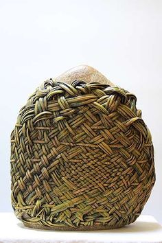 Webber roots and branches granite, rattan, bamboo 23x15x4)