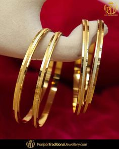Bracelets for Women – Fine Sea Glass Jewelry Plain Gold Bangles, Gold Bangles Design, Gold Earrings Designs, Gold Jewellery Design, Silver Bangles, Gold Jewelry Simple, Jelsa, Traditional Wedding, Credit Cards