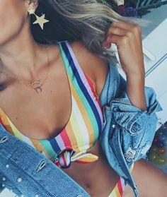 jean jacket and bikini yaaaas summer Cute Swimsuits, Cute Bikinis, Bikini Babes, Tankini, Sexy Women, Cute Bathing Suits, Summer Suits, Beach Wear, Bathing Suits