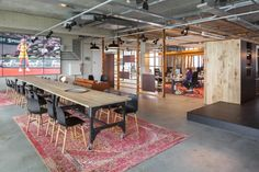 d+z architecten + projectmanagers transformed a warehouse into an office space…