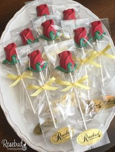 12 ROSE Chocolate Lollipops Party Favors Garden Flowers Birthday Wedding Bridal Shower Roses Candy Anniversary Beauty and the Beast – Best Wedding Beauty Beauty And The Beast Wedding Theme, Beauty And Beast Birthday, Wedding Beauty, Beauty And Beast Party, Beauty And The Beast Cupcakes, Beauty Beast, Lollipop Party, Candy Party, Chocolate Lollipops