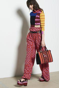 Tomas Maier Spring 2018 Ready-to-Wear Fashion Show Collection 2010s Fashion, Fashion Week, Fashion Tips For Women, Womens Fashion, Layered Fashion, Knitwear Fashion, Fashion Show Collection, Spring Summer 2018, Vogue Paris