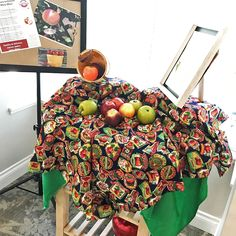 The September theme for Living Loving Local this month at Courtyard Gardens Retirement Residence is apples! 🍎 #vervecares #community #goodfood #goodtimes