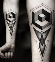Tattoo Dot work sur l'avant-bras: formes géométriques et dégradés