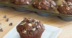 Εύκολα και γρήγορα αυτά τα muffins μπορείτε να τα φτιάξετε ακόμα και χωρίς μίξερ. Αρκεί ένα ελάχιστο ανακάτεμα και είναι έτοιμα για το φούρνο. Ιδανικά για