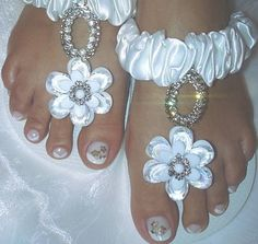 Chinelo Havaiana Top Branca, customizada com Strass R$ 48,00