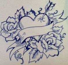 one heart and two roses This tattoo style i do like a lot its called old school I did draw this and i love it Badass Drawings, Chicano Drawings, Love Drawings, Art Drawings Sketches, Easy Drawings, Rose Drawing Tattoo, 1 Tattoo, Tattoo Design Drawings, Rose Heart Tattoo