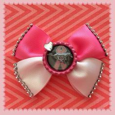 Mustang Bow on Etsy, $7.00