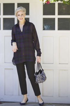 Best Outfits For Women Over 50 - Fashion Trends 60 Fashion, Mature Fashion, Plaid Fashion, Autumn Fashion, Fashion Outfits, Fashion Tips, Fashion Trends, Fashion 2018, Fashion Boots