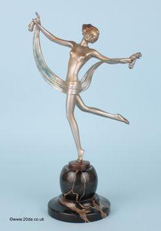 A lovely Art Deco Austrian bronze  figure by Josef Lorenzl, circa 1930s