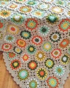 雏菊花朵毯子 #crochet #crocheting #crochetblanket #diy #handmade by li_san_