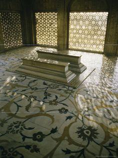 Massmasti: Taj Mahal Interior