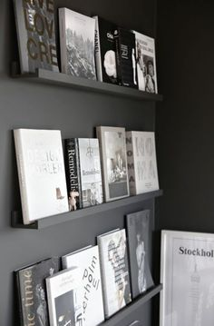 The exhibitor library (and more black walls . - Now that we have overcome the black walls yes or no black walls, we go with possible ideas on how t - Interior Architecture, Interior And Exterior, Interior Inspiration, Design Inspiration, Room Inspiration, Interior Decorating, Interior Design, Diy Décoration, Black Walls