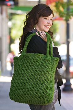 Crocheted tote. I like this a lot but there is no pattern =[