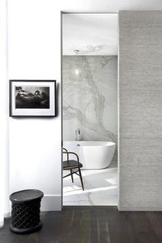 dSPACE Wisconsin Modern Riverfront-Modern mater bathroom, free standing tub, marble floor, wallcovering