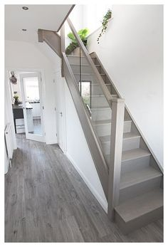 House Staircase, Staircase Remodel, Staircase Makeover, Modern Staircase, Staircase Ideas, Stair Bannister Ideas, Glass Bannister, Staircase Railings, Banisters