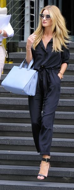 Rosie Huntington-Whiteley street style with black jumpsuit. Mode Outfits, Casual Outfits, Fashion Outfits, Fashion Trends, Fashion Clothes, Spring Street Style, Street Chic, Street Fashion, Passion For Fashion