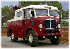 AEC Matador otobüs kurtarma Vintage Trucks, Old Trucks, Old Lorries, Cool Vans, Bus Coach, Heavy Machinery, Heavy Truck, Commercial Vehicle, Tow Truck