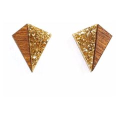 Little Pyramid Stud Earrings In Gold Glitter And Wood ($21) ❤ liked on Polyvore featuring jewelry, earrings, wood stud earrings, yellow gold stud earrings, 80s earrings, glitter stud earrings and 1980s earrings